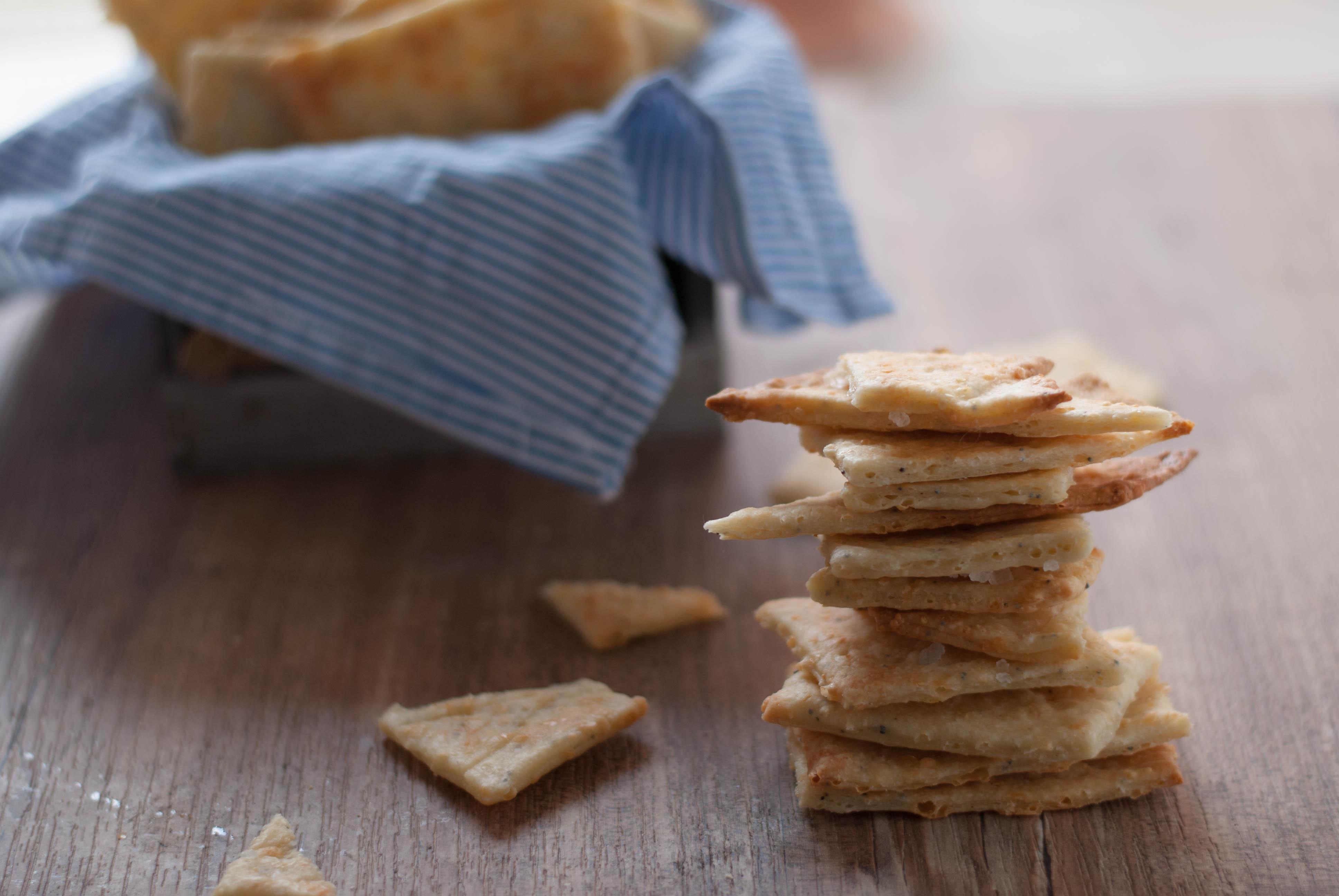 Credenza Con Frigo : Frigo vuoto e amici in arrivo ecco i cracker con pecorino toscano dop