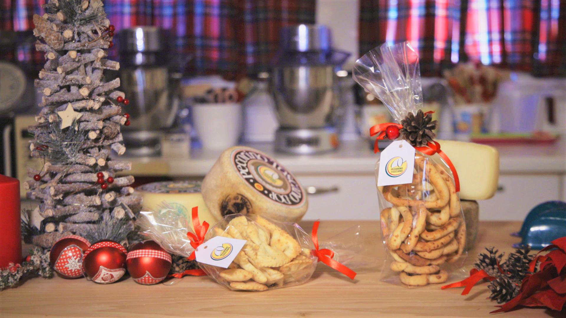 Antipasti Di Natale Toscani.Farfalle Crackers Al Pecorino Toscano Dop L Aperitivo Di Natale Leggero E Stuzzicante